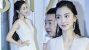 Angelababy白色深V长裙 身材热辣秀美胸